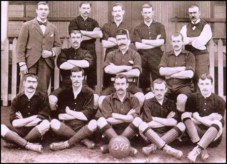 Equipo del Arsenal en 1895